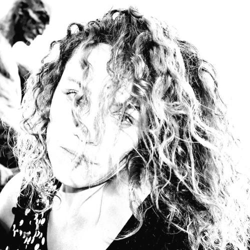 Adine Frost's avatar