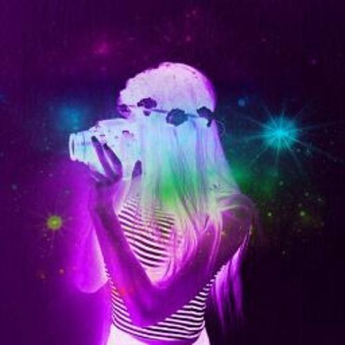 Elenachi Hernandez's avatar