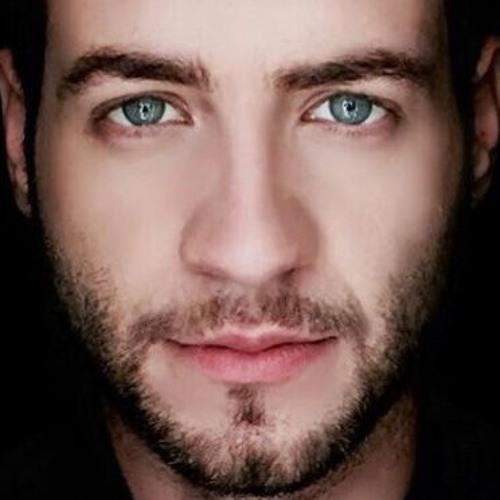 Flávio Pereira's avatar