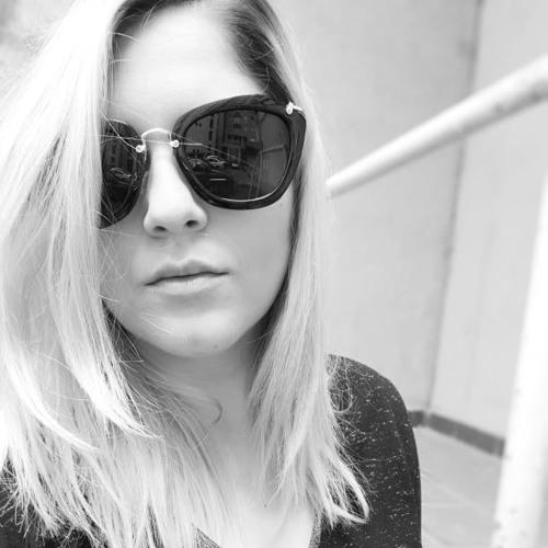 Mihaela D's avatar
