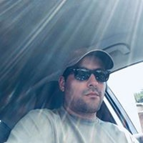 Henry Moreno's avatar