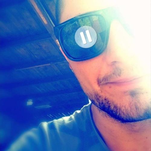Momo Dobrev's avatar