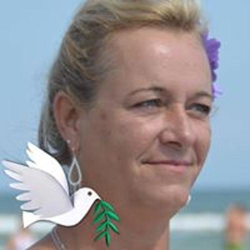 Debby Frenette Saggus's avatar