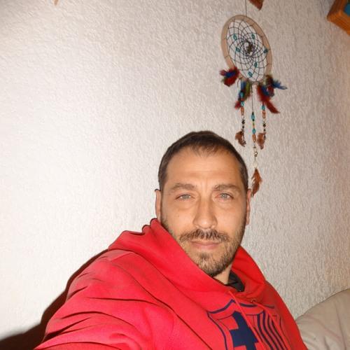 Luis AM's avatar