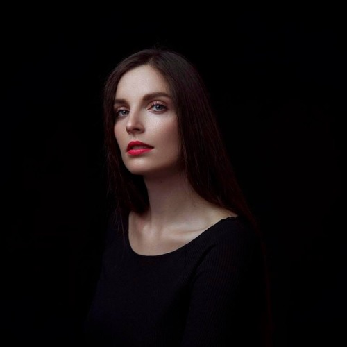 Rachel Row's avatar