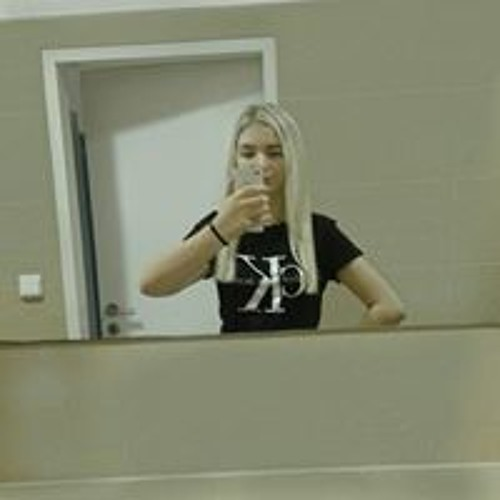 Monika Crhová's avatar