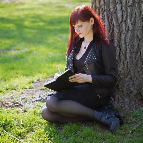 Suzanne Alyssa's avatar