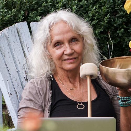 Emily Hess's avatar