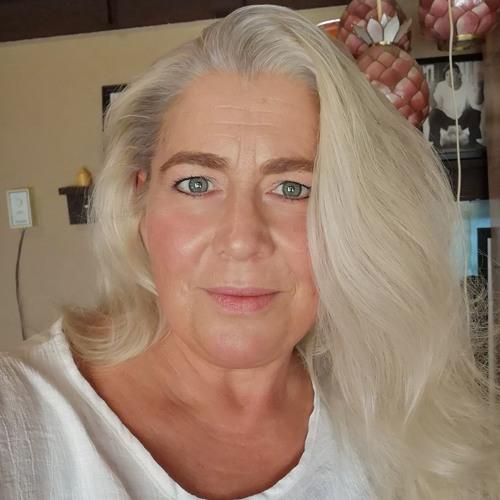 Christina Cherneskey's avatar