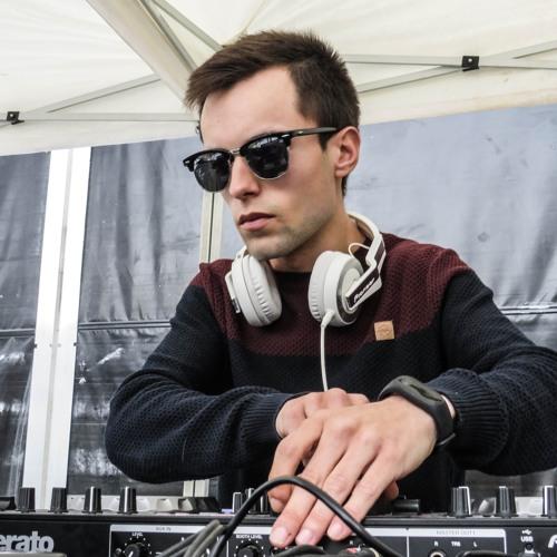 DJ Yuanyo's avatar