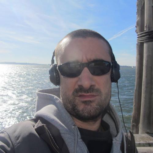 Julien Caraz's avatar