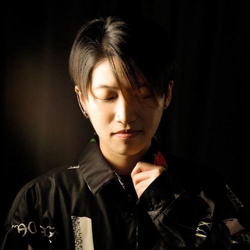 KK Zhang's avatar