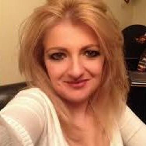 Christina Ruliva's avatar