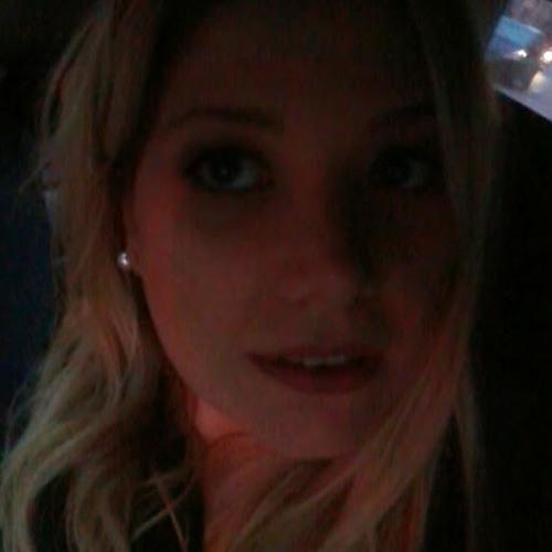 Luciana Araujo 11's avatar