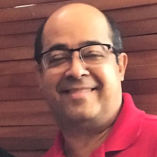 Lula Moura's avatar