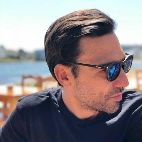 Toni Moreno's avatar