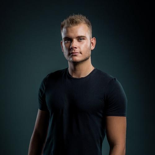 Damian Ray's avatar