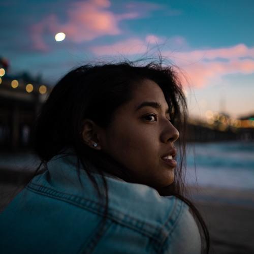 Alina Ly's avatar