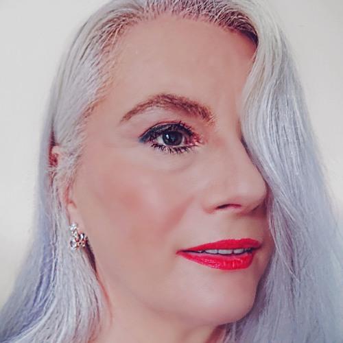 Sue McCreeth's avatar