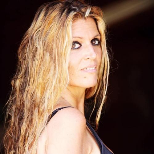 Estelle California's avatar