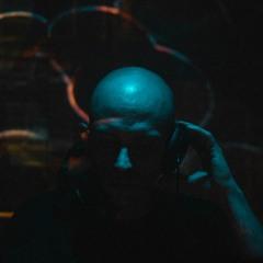 DJ D0G2TH ØI