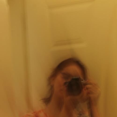 Saadia batool's avatar