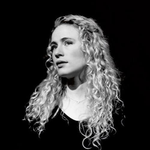Caitlin Sierra's avatar