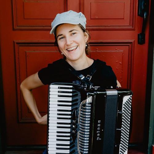 Holly Mead's avatar