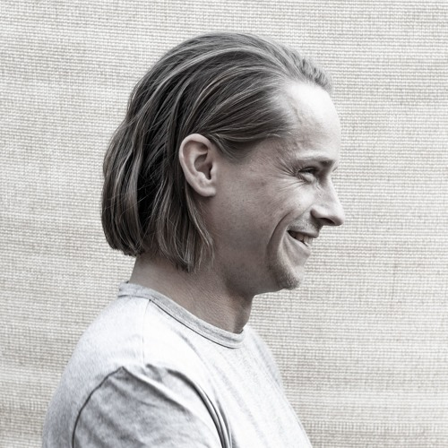 Chris Manura's avatar