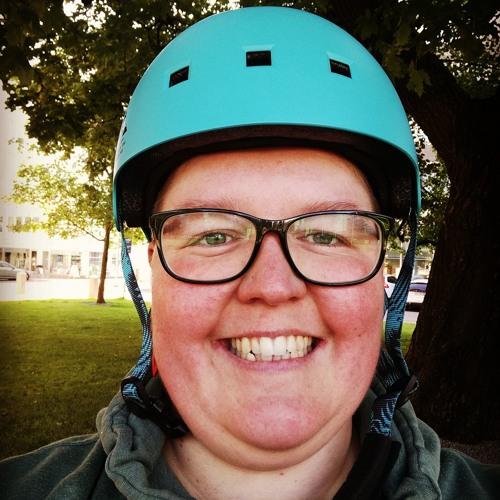 LauraKatarooma's avatar