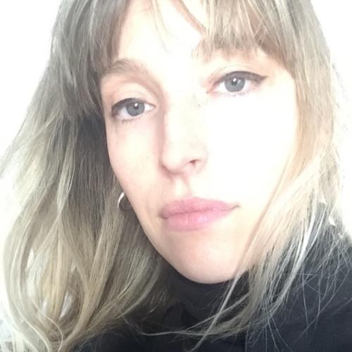 Carmen Villain's avatar