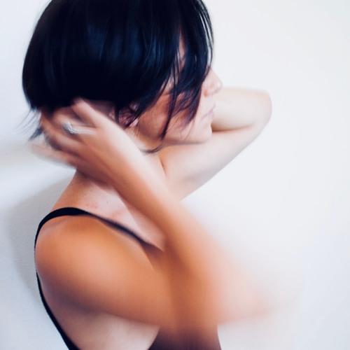 Crystal Lariza's avatar