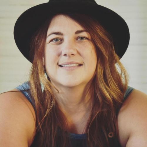 Courtney Hale Revia's avatar