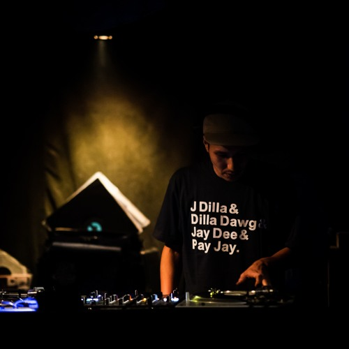 DJ QUESTA's avatar