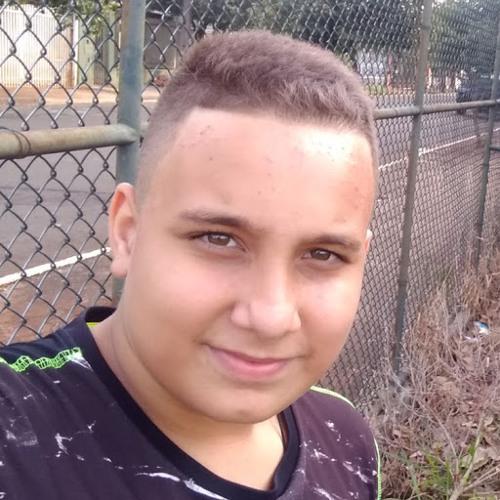 Lucas Carlos's avatar