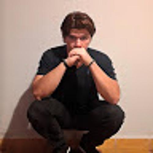 Lucio Mendoza's avatar