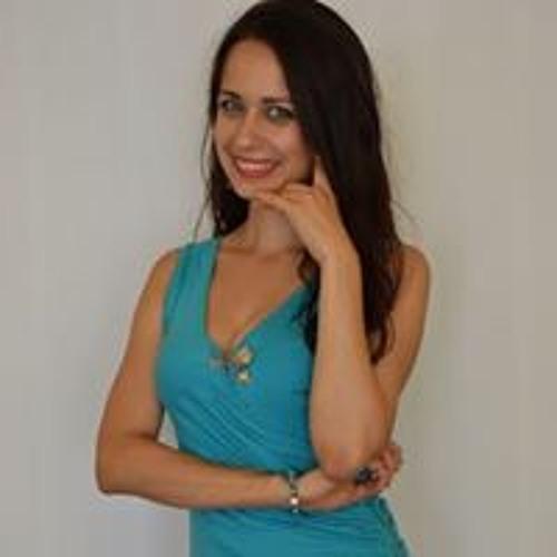 Adrienn's avatar
