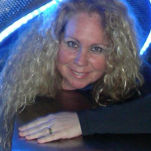 Maria Shaw's avatar