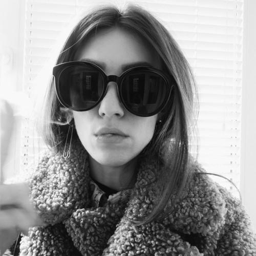 JulieinJuly's avatar