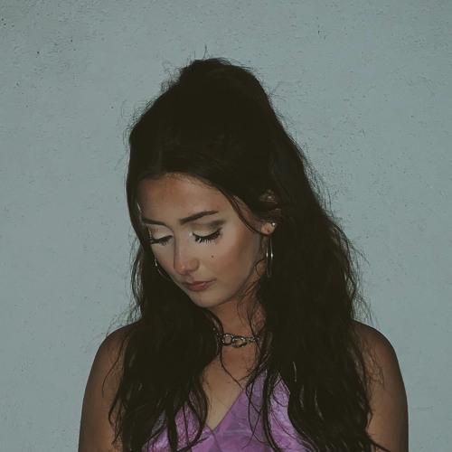 Annie Murphy's avatar