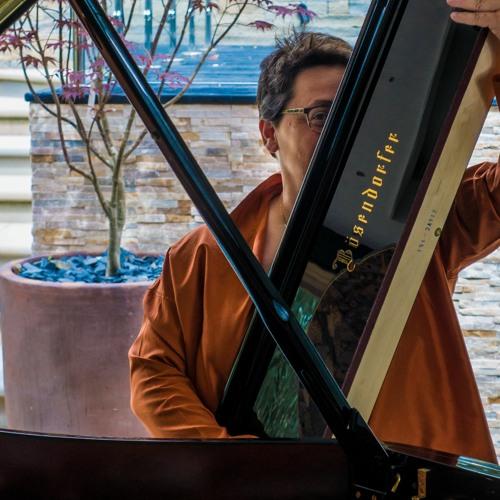 Yanna Piano's avatar