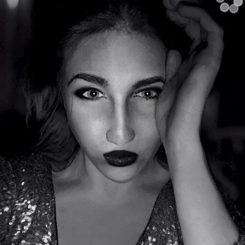Elena Jane's avatar