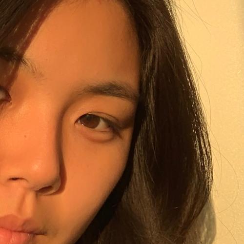 clairechoi's avatar