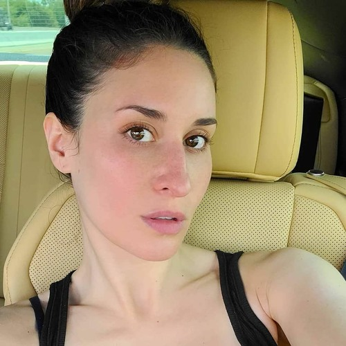 Niki McNally's avatar