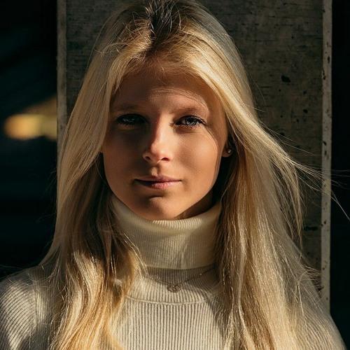 Angie Key's avatar