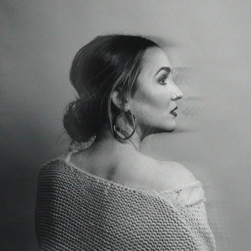 Charlotte Haining's avatar