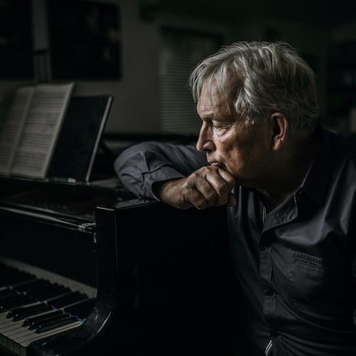 Zygmunt KRAUZE, né en 1938 Avatars-8xHpqiSUuc8PU2LA-uL3G5Q-t500x500