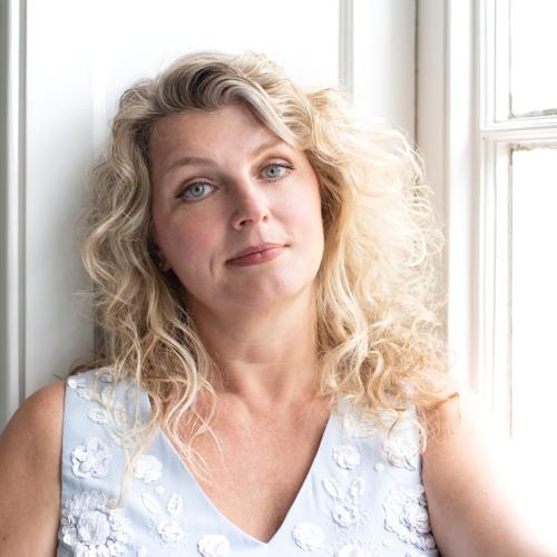 Lucette van den Berg's avatar