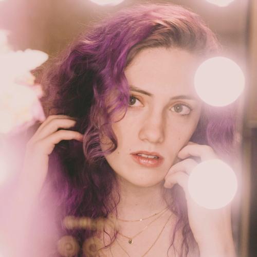 Annie Elise's avatar