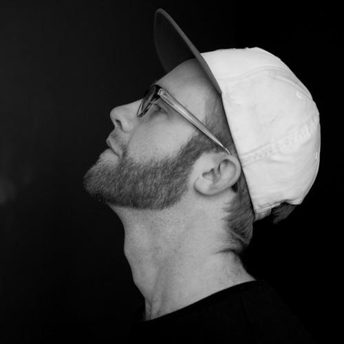 self 💠 help's avatar